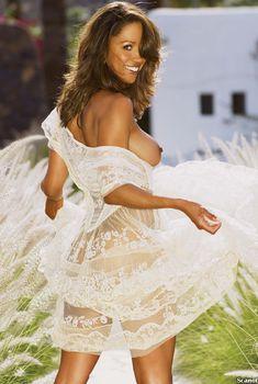 Сексуальная Стейси Дэш разделась на страницах журнала Playboy, Август 2006
