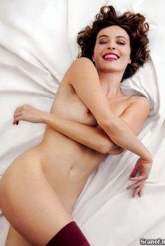 Изящная грудь Виоланте Плачидо засветилась в журнале Playboy, Февраль 2009