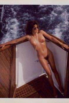 Шаловливая Барби Бентон разделась в журнале Playboy, Декабрь 1985