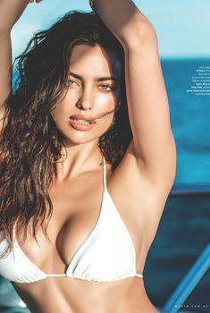 Сексуальная Ирина Шейк в бикини для журнала Maxim, Сентябрь 2014