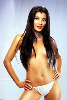 Сексуальная Келли Ху в белье для журнала Maxim, Май 2002