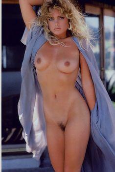 Эрика Элениак  без трусов и лифчика в журнале Playboy, Декабрь 1993
