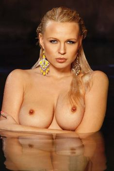 Абсолютно голая Ирина Воронина  в журнале Playboys Nude Playmates, 2011