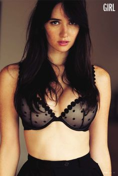 Красивая Сара Малакул Лэйн в эротическом белье для журнала FHM, Октябрь 2014