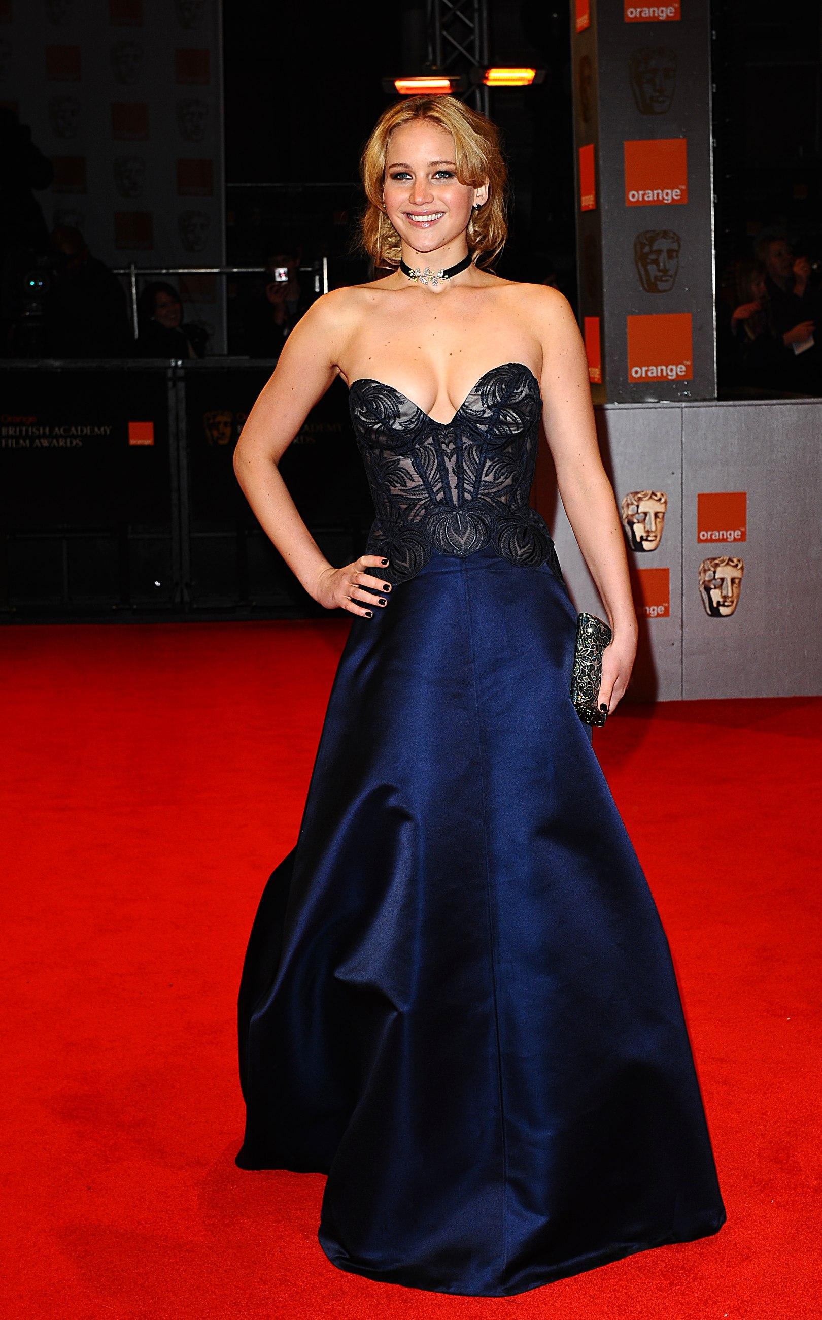 Jennifer Lawrence Source  Дженнифер Лоуренс  VK