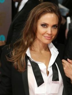 Голая Анджелина Джоли