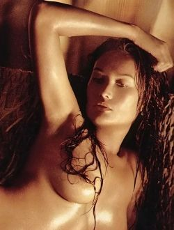 Tia carrera italian nude — pic 3