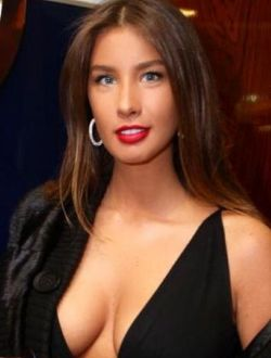 Голая Кэти Топурия