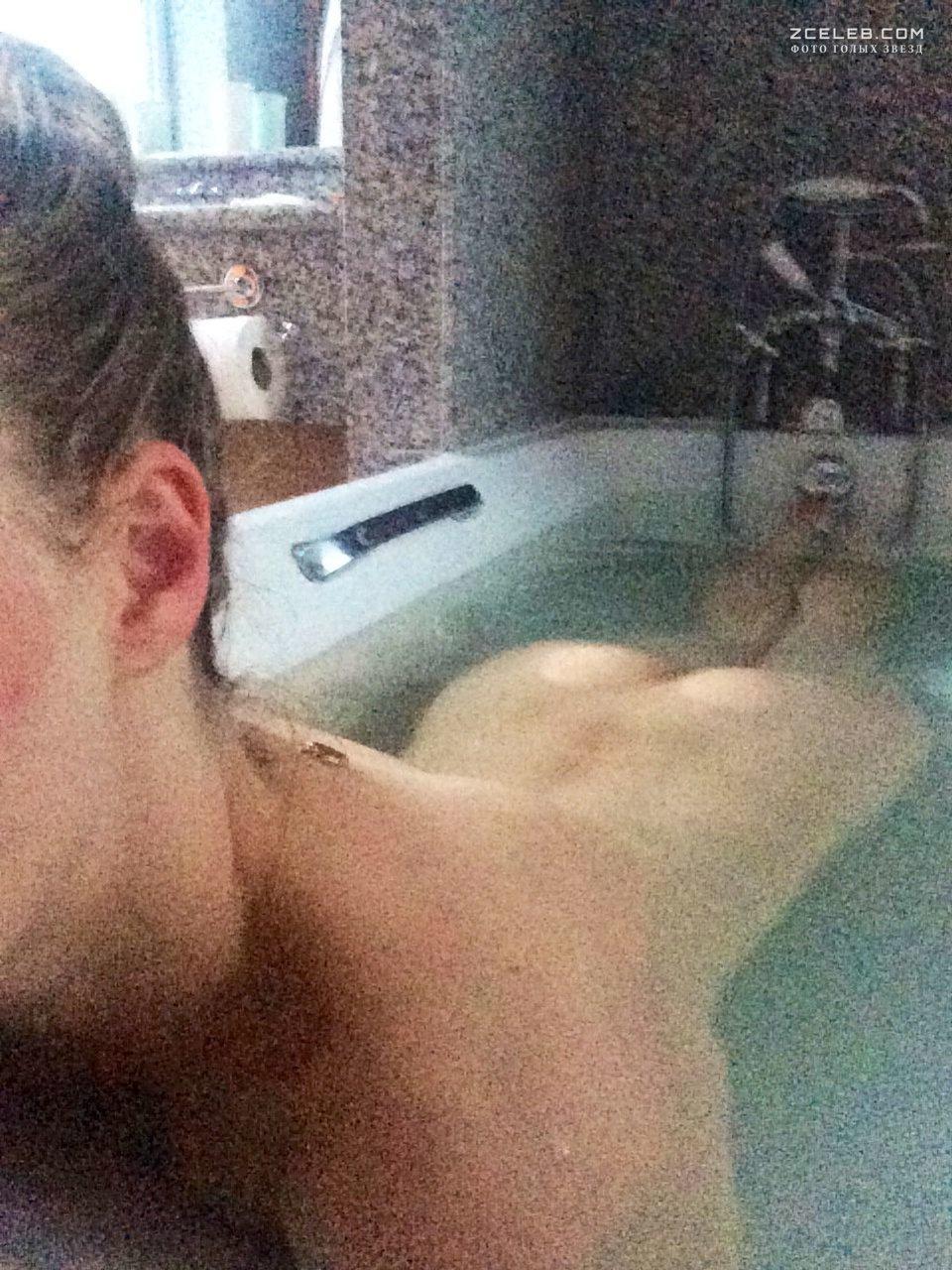 Селфи коллекция снимков семейного секса в ванной  471089