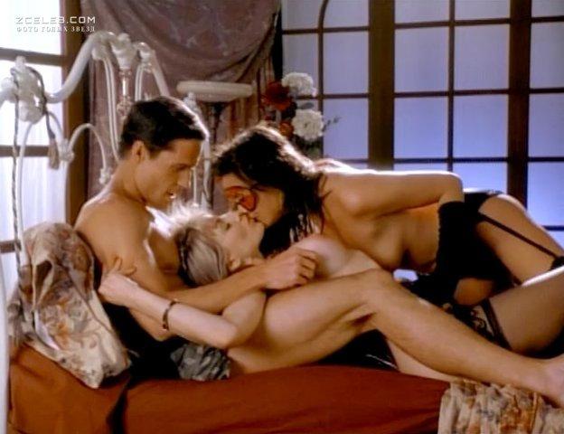 erotika-filmi-vtroem