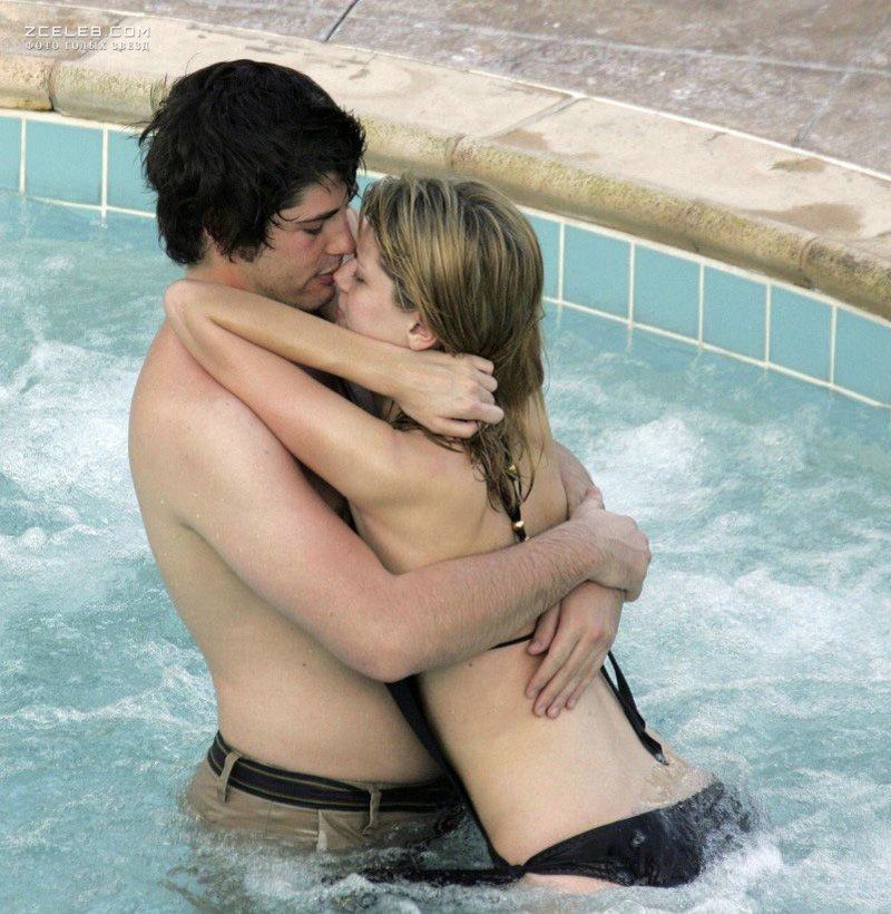 Micha barton lesbian kiss